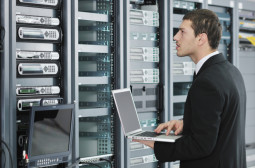 How to Become a Computer and Information Systems Manager