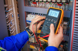 How to Become an Electrical or Electronics Engineer
